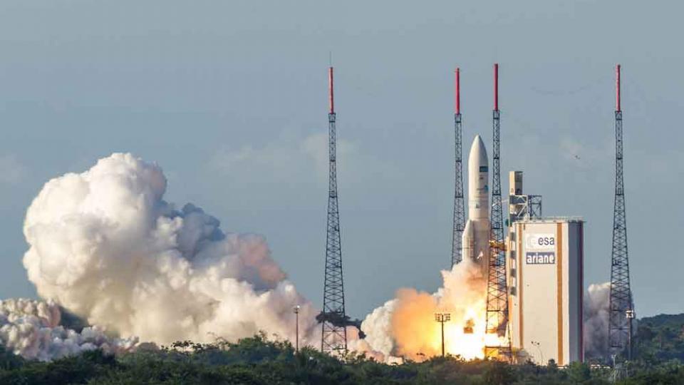 'जी सॅट-18' चे यशस्वी प्रक्षेपण; मोदींच्या शुभेच्छा!