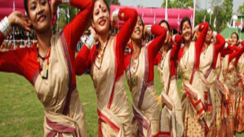 मुलींमुळेच भारतीय सणांना महत्त्व