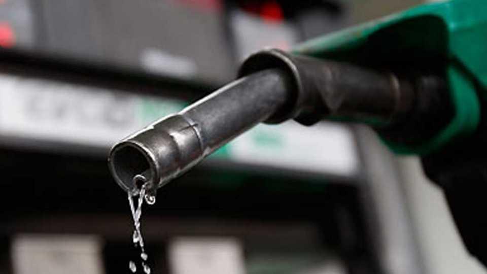 पेट्रोल 14 पैसे, डिझेल 10 पैशांनी महागले