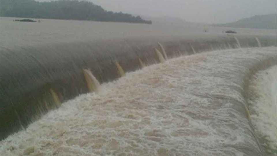 बिंदुसरा धरणाच्या सांडव्यावरून 7 वर्षांनी वाहिले पाणी