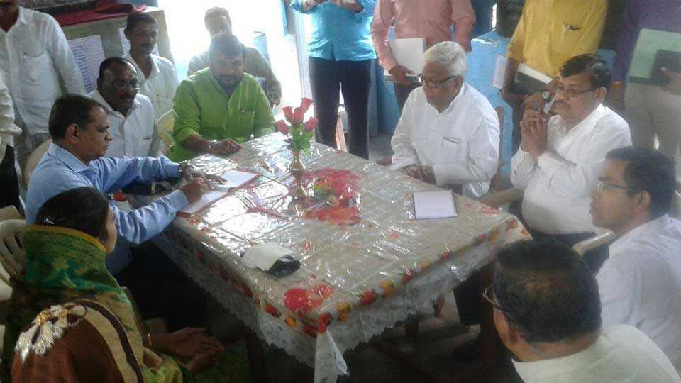 dhule news kapadne news panchayatraj samiti marathi news sakal news