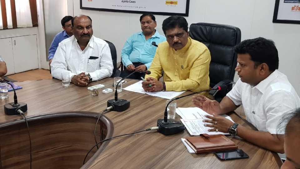 Aurangabad Collector Office Meeting With Dipak Savant.