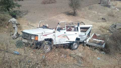 Four killed in road accident near Dhule