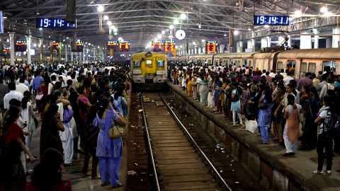 mumbai local train noise pollution