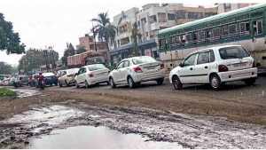 Passengers suffering due to traffic jam on Pune-Nashik Highway