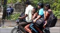 शालेय विद्यार्थ्यांचा धोकादायक प्रवास...