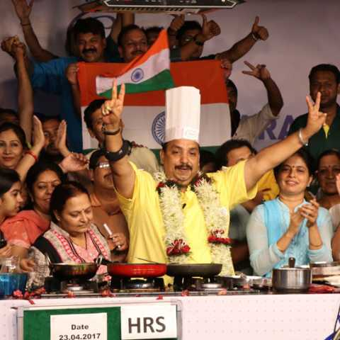 Vishnu Manohar's 53 hours world-famous cooking marathon
