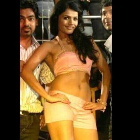 Is Siya Patil the next item queen?